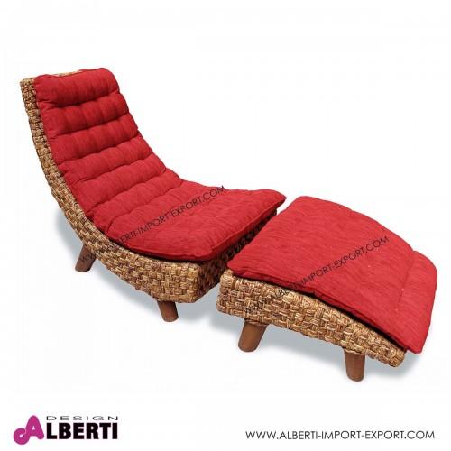 Poltrona chaise longue in fibra naturale intrecciata Evora con cuscini rossi 160x63x80