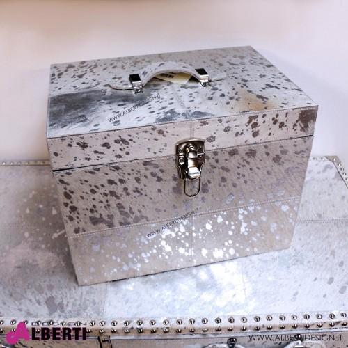 Baule porta oggetti in pelle bovina chiara con inserti argentati 41x29x30