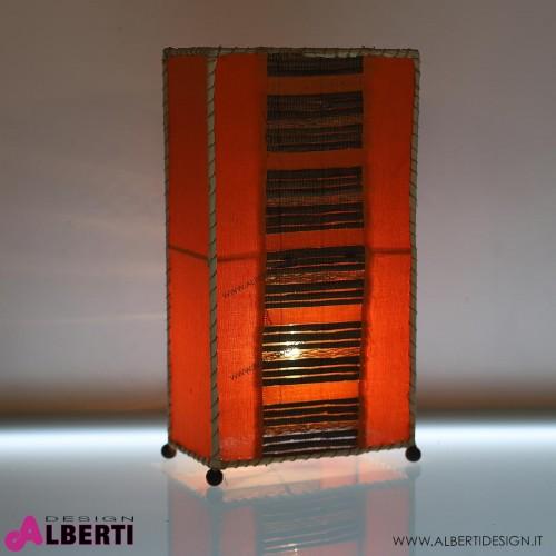 Lampada da tavolo in tessuto arancio ed inserti in fibra naturale H 50 cm
